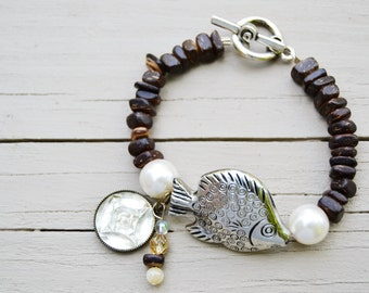 COCO WOOD FISH Bracelet with Toggle and Charms Large Glass Pearls