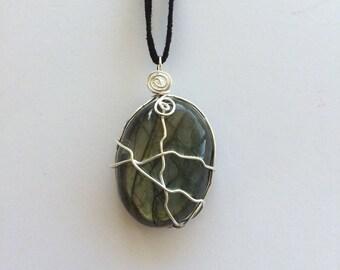 Labradorite // Labradorite Necklace // Crystal Jewelry