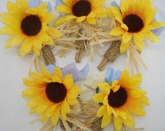 Rustic Sunflower Boutonniere, Groom Lapel flower, Summer Fall Wedding, 1 sunflower burlap boutonniere