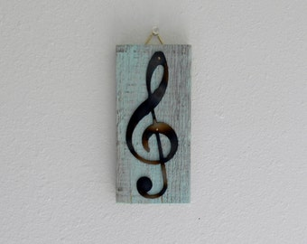 Treble Clef / Metal Art / Wall Decor / Wall Hanging / Pallet Wood / Shabby Chic / Rustic / Reclaimed wood