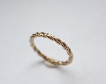 14k Gold Rope Twist Band Ring