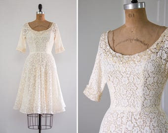 vintage 1950s wedding dress | 50s tea length short wedding gown | vintage ivory lace wedding dress