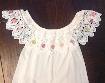 Pretty lacy white bohemian top with flowers
