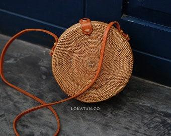 Handwoven Round Rattan Beach Bag Bali - Natural Ata Grass Shoulder Bag With Round Pattern