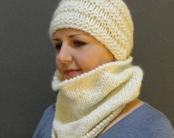 Knitted cowl and hat, ready to ship