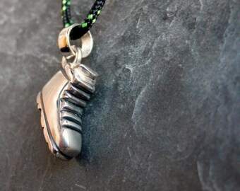 Pendant in Silver Mountain boot