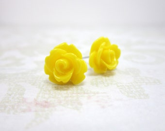 Yellow Rose Earrings, yellow studs, yellow stud earrings, rose post earrings, rose studs, rose stud earrings, cottage chic, woodland, E10170