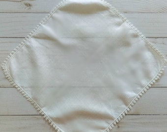 Vintage Linen Hankie with Tatted Lace Trim/ Wedding/ First Communion/ Mother's Day