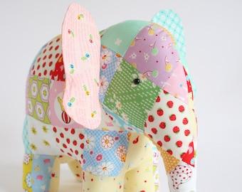Elephant PDF pattern, elephant sewing PDF, softie pdf pattern, elephant pattern, patchwork elephant, elephant toy pdf , Trunk Show