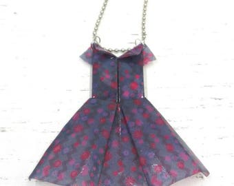 Origami pendant necklace in resin cloths dress
