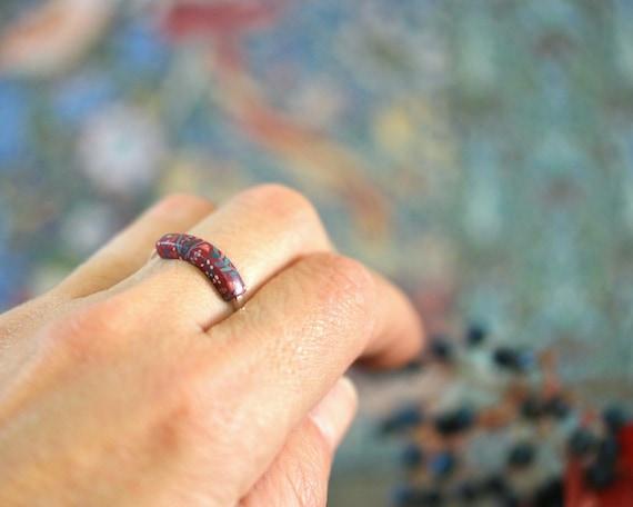 Small burgundy ring, sterling silver ring, minimal design ring, flower pattern, sterling silver