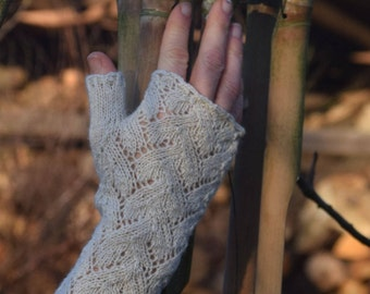 Cream-colored fingerless gloves, lace gloves, pulse warmer, wrist warmes, finglerless gloves, warmers