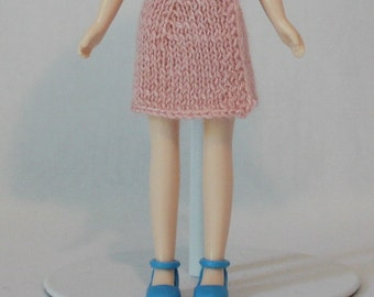 Middie Blythe doll Wrap Skirt knitting PATTERN - basic skirt in 3 lengths for Middie - instant download - permission to sell finished items