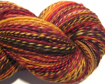 Laine filée main, si mes mots n'a lueur 412 yards rouge orange jaune laine DK 2 ply Superwash BFL, Nylon, chaussette laine, tricot fournitures