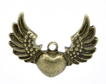 Large pendant heart charm and wing 3, 4 x 2, 7cm