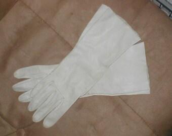 Vintage light beige French Kid Leather Gloves