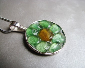 Authentic Sea Glass Jewelry -Summer flower necklace - Sea Glass Jewelry - Kelly Green and Amber - Sea Glass Necklace - Beach Glass Jewelry