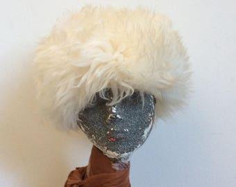 Vintage 1970's Ivory White Sheepskin PomPom Hat