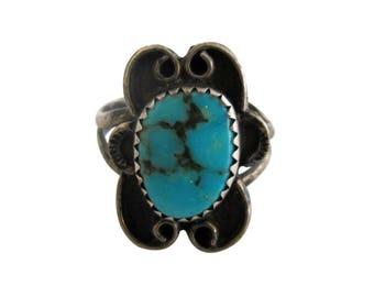 Vintage Sterling Silver & Turquoise Southwest Design Ring size 5 1/4