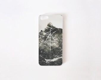 iPhone 5/5s Case - iPhone SE Case - Black Mountain iPhone Case - iPhone 5s case - iPhone 5 case - Hard Plastic or Rubber