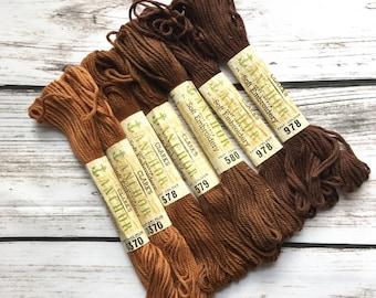 Clark's Anchor Needlepoint Tapestry Thread Skeins Brown