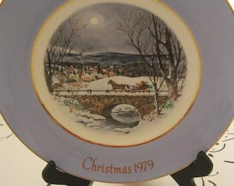 Vintage 1979 Avon Christmas Plate, Wedgwood, Gold Trim, Dashing Through The Snow