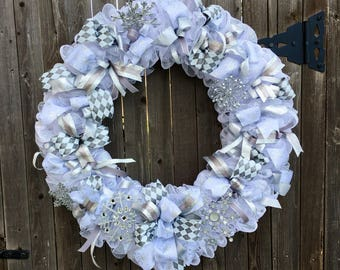 Winter XL Light up Silver Snowflake Wreath