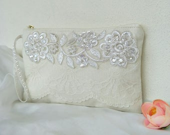 Last one sale/bridal clutch-Ivory Linen/Elegant Bridal bag /lace wedding purse/for her/ Bridesmaids gift/bridal clutch/wedding clutch