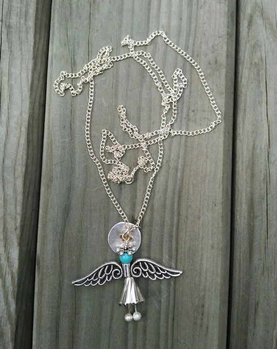 LONG NECKLACE ANGEL and hearts pendant