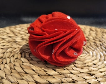 Red felt flower with hair tie