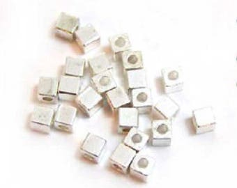 10 x beads silver metal Cubes 4 mm spacers