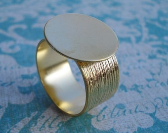 Gold Adjustable Ring with 10mm Brushed Gold Band and 16mm Base for a Flat Back Cab or Jewel