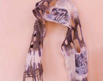 Airy silky scarf
