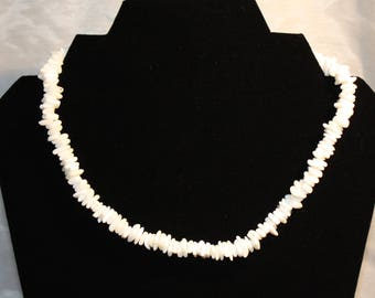 White Rose Clam Shell Chips  Necklace