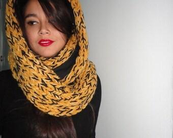 LE  FOULARD   The scarf