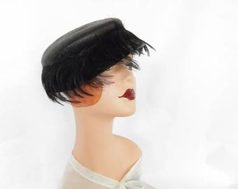 Black feather hat, vintage 1950s straw, Sunnyland