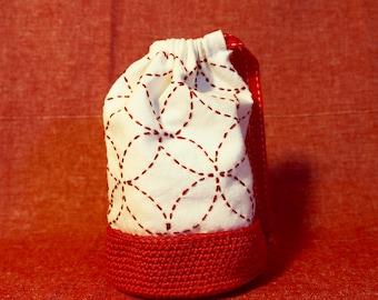 Shippo-tsunagi sashiko embroidery purse, perfect for Christmas gift