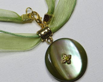 Vintage green and organza - #193 Pearl Necklace