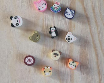 11 mini animal beads