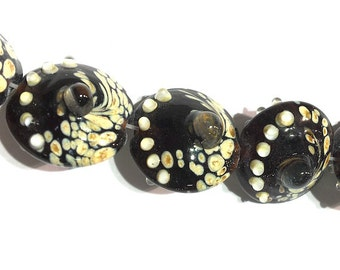 1 piece 20mm Black and Cream Lampwork Glass Saucer Beads, Disk Beads
