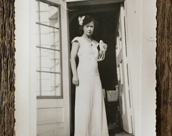Original Vintage Photograph Unassuming Model: Pearls