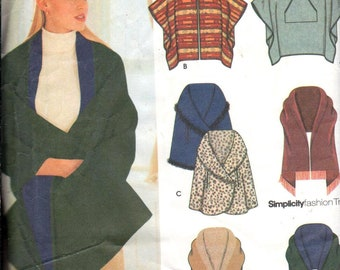 """Simplicity 9335, OSZ/Bust 30.5-42"""". Ladies Poncho/Wrap pattern, UNCUT Misses sewing pattern Directions in English/Spanish"""
