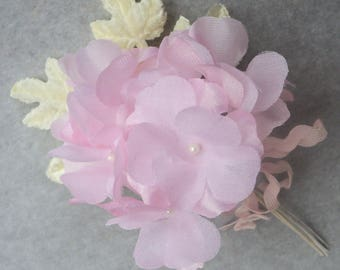 Vintage Millinery Flowers / Delicate Pink Hydrangea Blossoms / One Miniature Nosegay / Pearlized Flower Centers / Yellow Velvet Rose Leaves