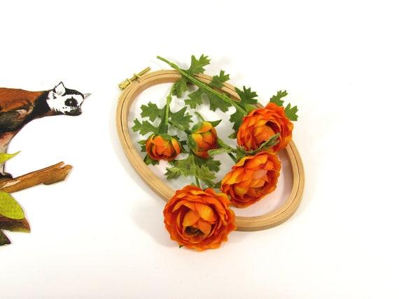 5 Orange Ranunculus stems Artificial flowers Ranunculus Asiaticus with foliage  Realistic fake flowers  Silk orange Rannculus flowers