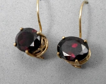 9k Gold Earrings, Short Dangle, Red Faceted Garnet,Vintage Style, Classic ,Sensitive Ear, Elegant, Wedding