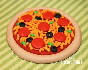 Play Doll Food, Miniatures, Collectible, Supreme Pizza, Crust, Marinara Sauce, Pepperoni, Cheese, Green Peppers, Black Olives, Italian Food