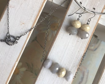 Faceted necklace and earrings. Cream. Smoky. Minimalist.