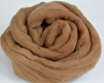 Plant Dyed Roving Brown Walnut - Sold by the Ounce - Tan Wool Roving - Natural Dyed Roving