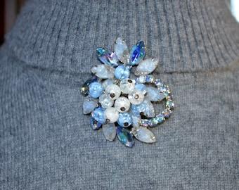Juliana DeLizza and Elster Blue Bead & Rhinestone Brooch Vintage