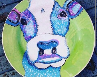 Cow plate. Farm animals.  wall art, home decor. Hand painted plate. Unique gift. Farmers gift. cow art. gift for girlfriend. cow gift